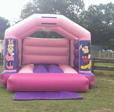 essex-bouncy-castles-04