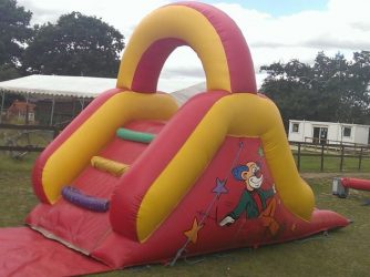 essex-bouncy-castles-05